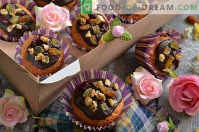 Cupcakes with your own hands - delicious sweets, gifts
