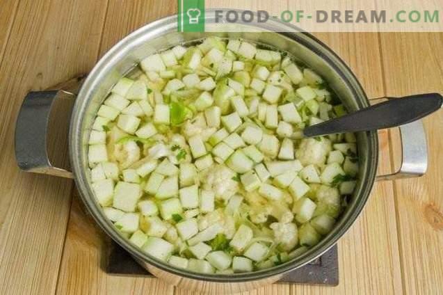 Vegetarian borsch lillkapsas ja suvikõrvits