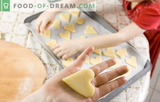 Kuidas teha küpsiseid kodus: kiire, maitsev, lihtne. Koduste küpsiste retseptid: kodujuust, kookospähkli, kõrvitsaga