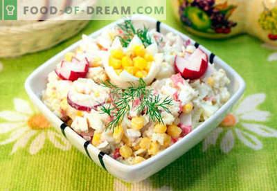 Salade met krabvlees - de vijf beste recepten. Hoe goed en lekker een salade met krabvlees te koken.