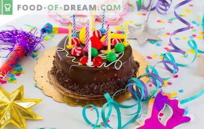 Me valmistame kooki meie sünnipäeva jaoks (foto)! Retseptid erinevate koduste sünnipäevakookide jaoks fotodega