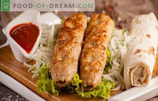 Kana kebab on maitsev ja originaalne roog vähem kui tunnis. Kana kebab ahjus, pannil ja grillil