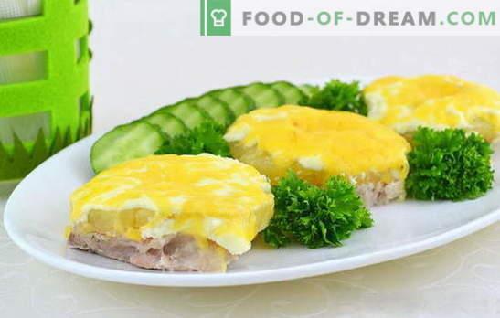 Kas sa tahad küpsetada mahlakat liha ananassidega ahjus? Uuri, kuidas! Liha keetmise viisid eksootiliste ananassidega ahjus