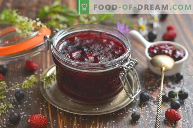 Must sõstar ja maasika moos