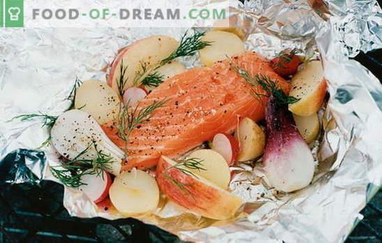 Punane kala fooliumis ahjus - delikatess! Punase kala retseptid fooliumis kartulite, tomatite, kapparite ja oliividega