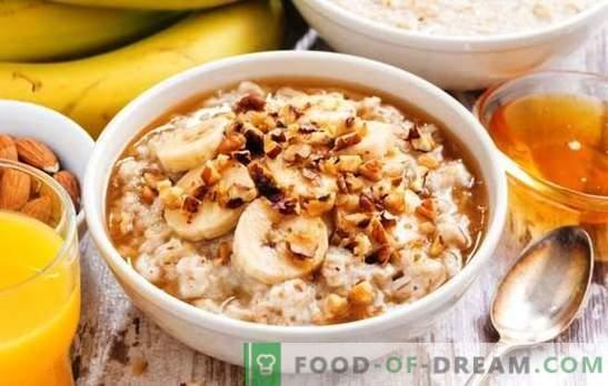 Kaerahelbed mitmemõõtmelisel piimaga on tervislik hommikusöök. Kaerahelbed varieeruvad aeglases puuvilja, mee ja pähkli piimas.