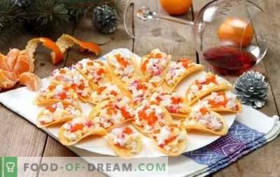 Užkandžiai žetonuose - neįprastas ir skanus! Originalių užkandžių virimas ant sūrio, daržovių, krabų lazdelių, žuvies ir vištienos lustų