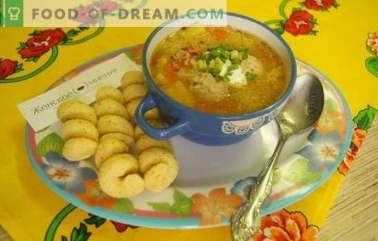 Foto receptas sriubai su mėsos taukais lėtoje viryklėje: pietūs valandai. Paprasta sriuba su mėsos taukais ir kuskusu lėtoje viryklėje: žingsnis po žingsnio receptas