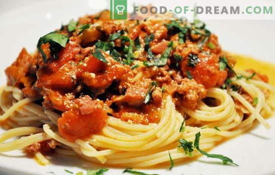 Spagetid lihaga - itaalia makaronid vene keeles! Spagetid retseptid liha ja juustuga, seened, koor, tomatid