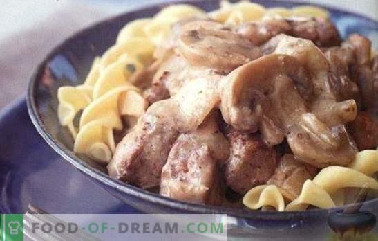 Veiseliha hapukoores - kõige pakilisem liha kastmes. TOP 6 parimat retsepti veiseliha hapukoores: veiseliha stroganoff, tükid, praed