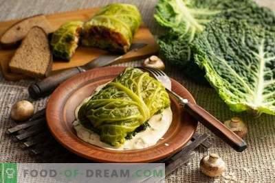 Aurutatud kapsas on valmistatud aurutatud köögiviljade kapsast